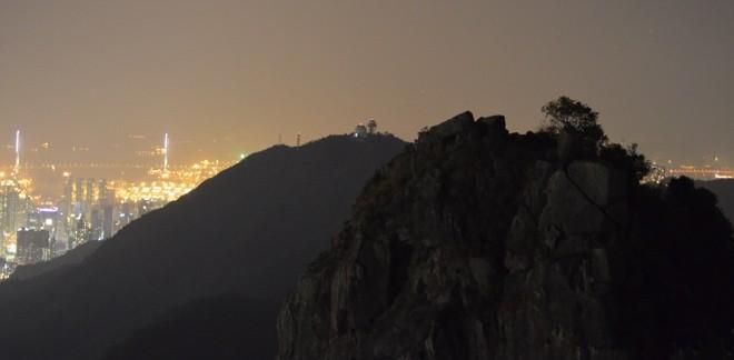 hong kong de nuit sur le mont lion rock