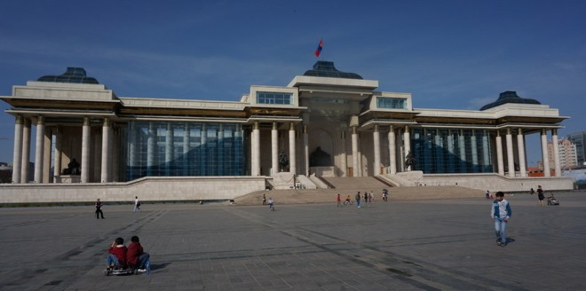 la place Sükhbaatar a oulan bator mongolie