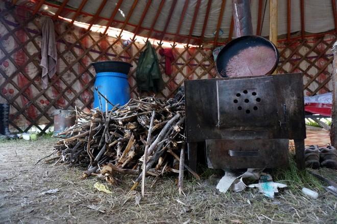 feu-de-bois-workaway-mongolia