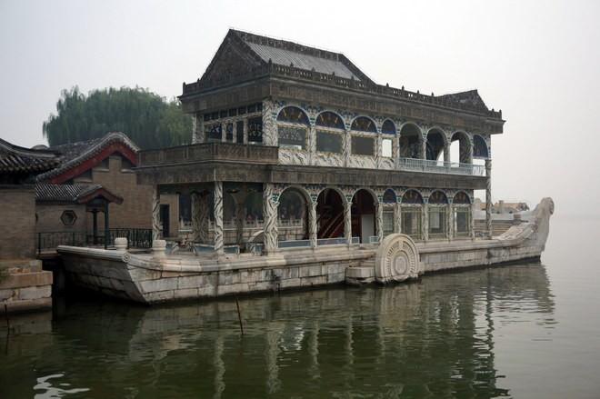 le bateau de marbre au palais d'été Beijing Pekin