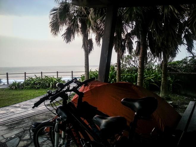 tour de taiwan a velo camping tente