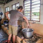 guillaume apprend a cuisiner indien volontariat malaisie