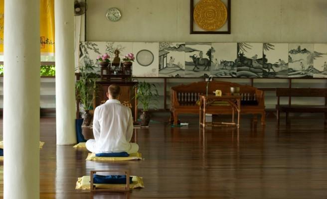 La force du silence : vécu d'une retraite bouddhiste