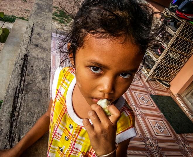 enfant volontariat cambodge poivre de kampot