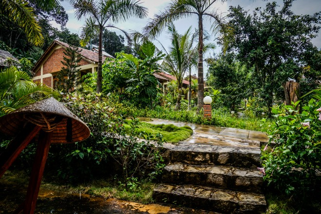 construction resort benevolat vietnam